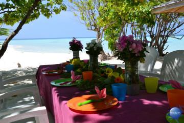 Maldive Alternative, pranzo in spiaggia